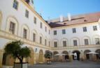 Nedaleko Bratislavy - Rakouský zámek Habsburgů - Schlosshof